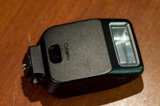 Canon Speedlite 200E
