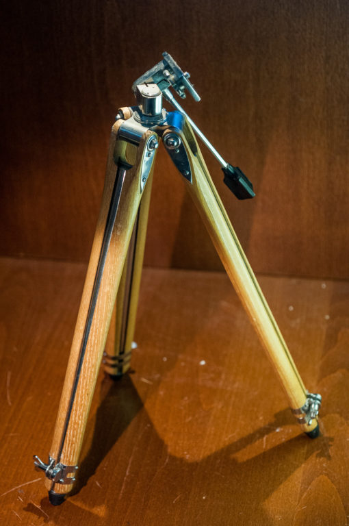 Haco - Wooden tripod