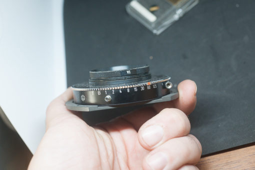 Prontor Press Shutter on a Oval lensboard/retainer