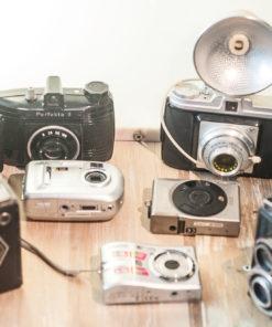 Kodak bellows camera(needs work) Pentacon Perfekta II Agfa Isola Kodak digital Canon APS Ixus Gomz Lubitel II Sanyo S870 8.1MP Goldy Box