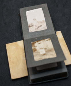 2 small photobooks (6x9cm photos)